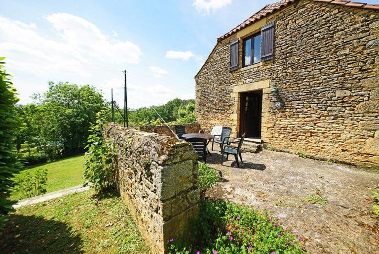 gite-4-p-terrasse-2-location-gites-luxe-dordogne-perigord-la-source